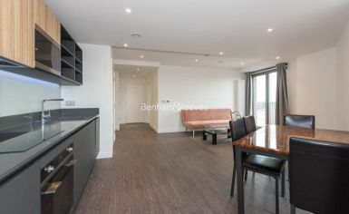 1 bedroom(s) flat to rent in Western Gateway, Canary Wharf, E16-image 1