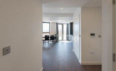 1 bedroom(s) flat to rent in Western Gateway, Canary Wharf, E16-image 4