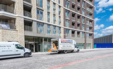 1 bedroom(s) flat to rent in Western Gateway, Canary Wharf, E16-image 10