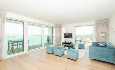 3 bedroom(s) flat to rent in Duke of Wellington Avenue, Canary Wharf, SE18-image 2
