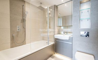 3 bedroom(s) flat to rent in Duke of Wellington Avenue, Canary Wharf, SE18-image 7
