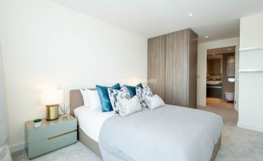 3 bedroom(s) flat to rent in Duke of Wellington Avenue, Canary Wharf, SE18-image 13