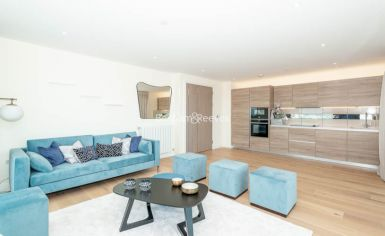 3 bedroom(s) flat to rent in Duke of Wellington Avenue, Canary Wharf, SE18-image 19