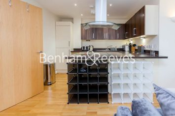 2 bedroom(s) flat to rent in LimeHouse, Canary Wharf, E14-image 2