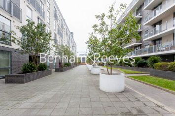 2 bedroom(s) flat to rent in LimeHouse, Canary Wharf, E14-image 6
