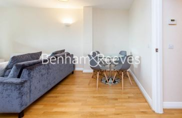 2 bedroom(s) flat to rent in LimeHouse, Canary Wharf, E14-image 12
