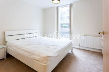 2 bedroom(s) flat to rent in LimeHouse, Canary Wharf, E14-image 16