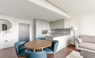 1 bedroom(s) flat to rent in Sirocco Tower, Harbour Quay, E14-image 2