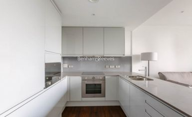 1 bedroom(s) flat to rent in Sirocco Tower, Harbour Quay, E14-image 5