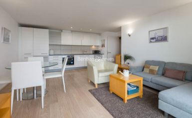 1 bedroom(s) flat to rent in Aurora Building, Blackwall Way, E14-image 1