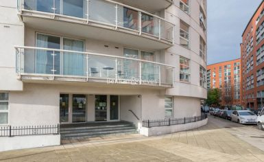 1 bedroom(s) flat to rent in Aurora Building, Blackwall Way, E14-image 9