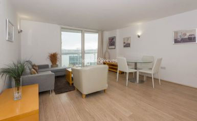 1 bedroom(s) flat to rent in Aurora Building, Blackwall Way, E14-image 11