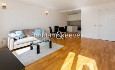 1 bedroom(s) flat to rent in Hutchings Street, Canary Wharf, E14-image 1