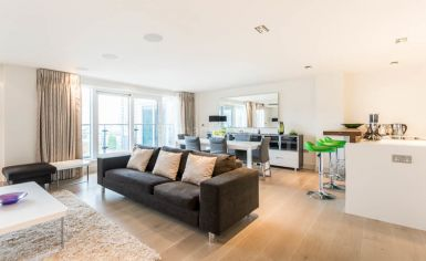 3 bedroom(s) flat to rent in Townmead Road, Fulham, SW6-image 1