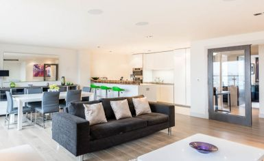 3 bedroom(s) flat to rent in Townmead Road, Fulham, SW6-image 2