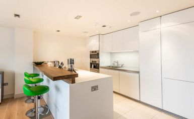 3 bedroom(s) flat to rent in Townmead Road, Fulham, SW6-image 5