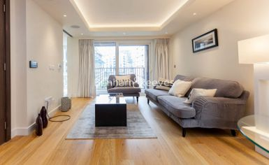 Studio flat to rent in Thurstan Street, Fulham, SW6-image 1