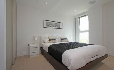 1 bedroom(s) flat to rent in Central Avenue, Fulham, SW6-image 3