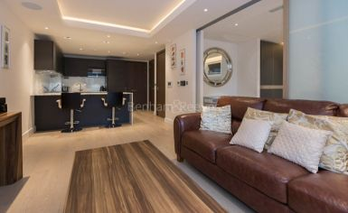 Studio flat to rent in Woodford House, Chelsea Creek, SW6-image 3