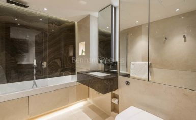 Studio flat to rent in Woodford House, Chelsea Creek, SW6-image 5