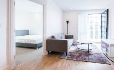 1 bedroom(s) flat to rent in Discovery House, Battersea Reach, SW18-image 1