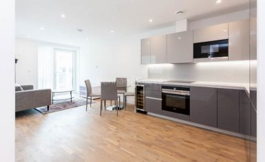 1 bedroom(s) flat to rent in Discovery House, Battersea Reach, SW18-image 5