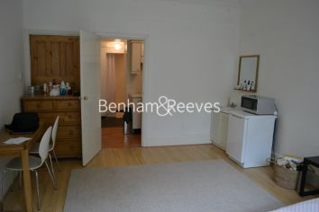 Studio flat to rent in Cholmeley Park, Highgate, N6-image 1