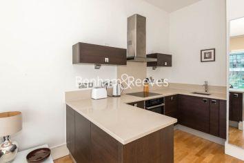 1 bedroom(s) flat to rent in Highbury Stadium Square, Highbury, N5-image 2