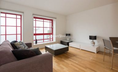 1 bedroom(s) flat to rent in West Stand Apartments, Highbury Stadium Square, N5-image 1