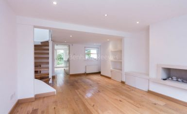 2 bedroom(s) house to rent in Castle Yard, Highgate, N6-image 1