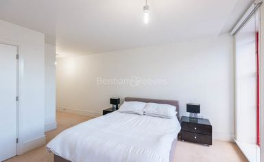 2 bedroom(s) flat to rent in Highbury Stadium Square, Highbury, N5-image 6