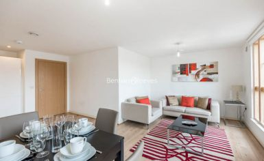 1 bedroom(s) flat to rent in Sussex Way, Holloway, N7-image 2