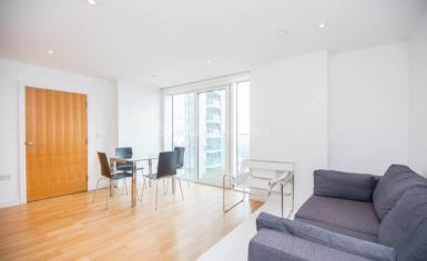 1 bedroom(s) flat to rent in Residence Tower, Woodberry Grove, N4-image 2