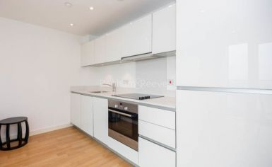 1 bedroom(s) flat to rent in Residence Tower, Woodberry Grove, N4-image 3