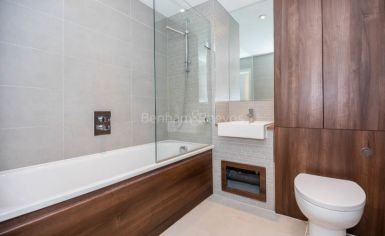 1 bedroom(s) flat to rent in Residence Tower, Woodberry Grove, N4-image 5