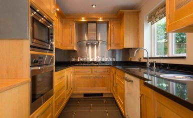 4 bedroom(s) house to rent in Ridgeway Gardens, Highgate, N6-image 3