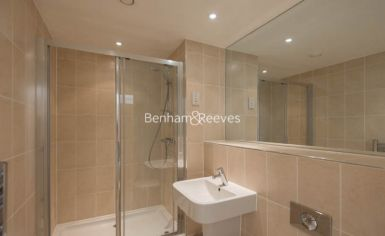 2 bedroom(s) flat to rent in Highbury Stadium Square, Highbury, N5-image 4
