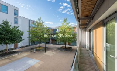 2 bedroom(s) flat to rent in Highbury Stadium Square, Highbury, N5-image 5