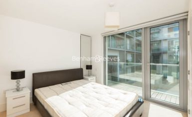 2 bedroom(s) flat to rent in Highbury Stadium Square, Highbury, N5-image 7