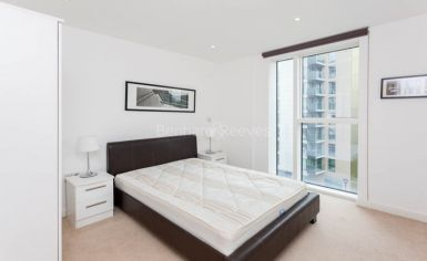 2 bedroom(s) flat to rent in Waterside, Woodberry Grove, N4-image 4