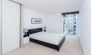 2 bedroom(s) flat to rent in Waterside, Woodberry Grove, N4-image 5