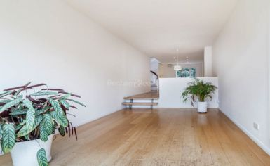 3 bedroom(s) house to rent in Church Walk, Highgate, N6-image 1