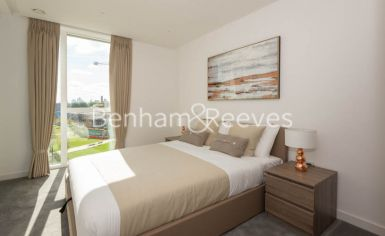 2 bedroom(s) flat to rent in Woodberry Park, Highgate, N4-image 3