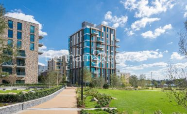2 bedroom(s) flat to rent in Woodberry Park, Highgate, N4-image 6