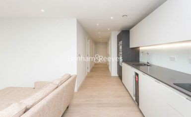 3 bedroom(s) flat to rent in Newton Close, Woodberry Park, N4-image 2