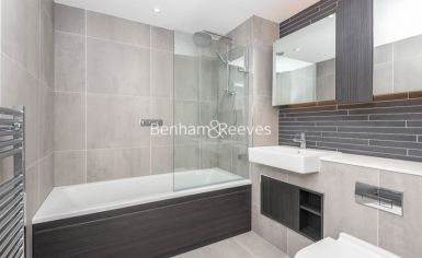 3 bedroom(s) flat to rent in Newton Close, Woodberry Park, N4-image 5
