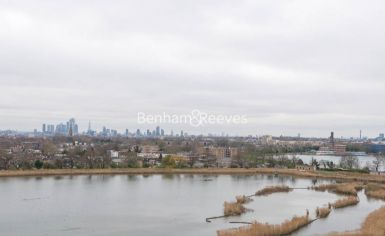 3 bedroom(s) flat to rent in Newton Close, Woodberry Park, N4-image 8