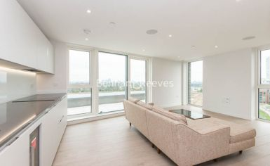 3 bedroom(s) flat to rent in Newton Close, Woodberry Park, N4-image 9