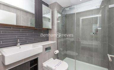 3 bedroom(s) flat to rent in Newton Close, Woodberry Park, N4-image 11