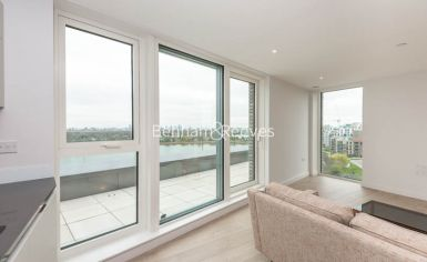 3 bedroom(s) flat to rent in Newton Close, Woodberry Park, N4-image 13